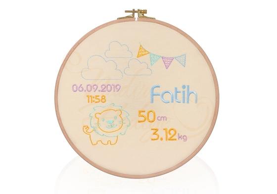 Bebeğe Özel Etamin Doğum Panosu - Ahşap Kasnak 26 cm - Thumbnail