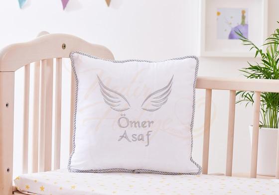 Bebek Takı Yastığı - İsim ve Melek Kanadı İşlemeli - Thumbnail