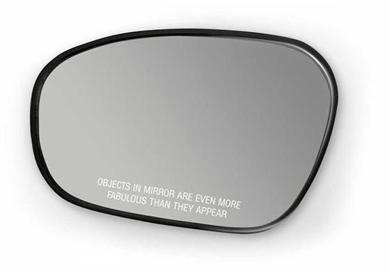 Dikiz Aynası Şeklinde Makyaj Aynası