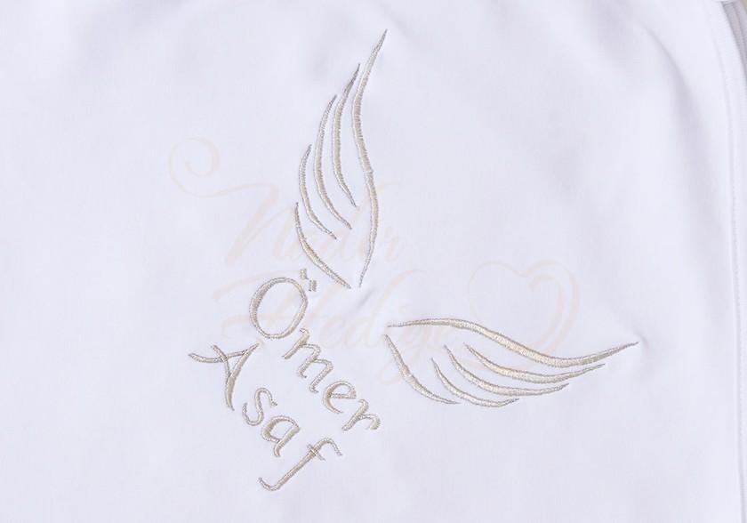 İsim Yazılı Battaniye - Melek Kanadı İşlemeli