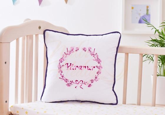 İşlemeli Takı Yastığı - İsme Özel Bebek Hediyesi - Thumbnail