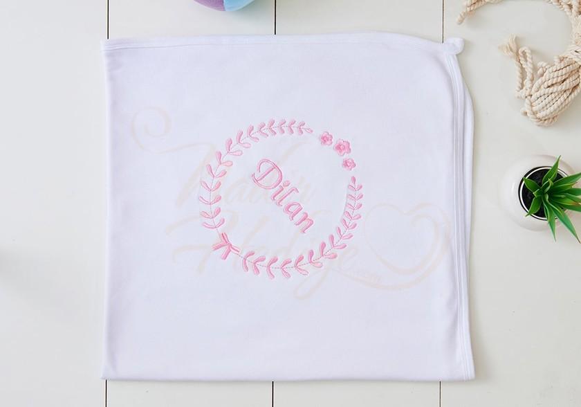 Kişiye Özel Bebek Battaniyesi - Çiçek İşlemeli