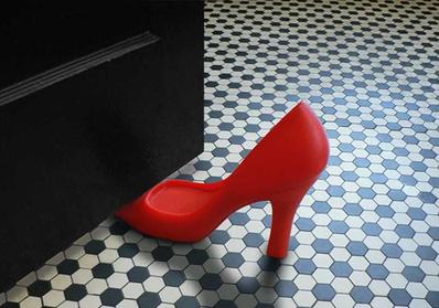 Topuklu Ayakkabı Şeklinde Kapı Tutucu - Thumbnail